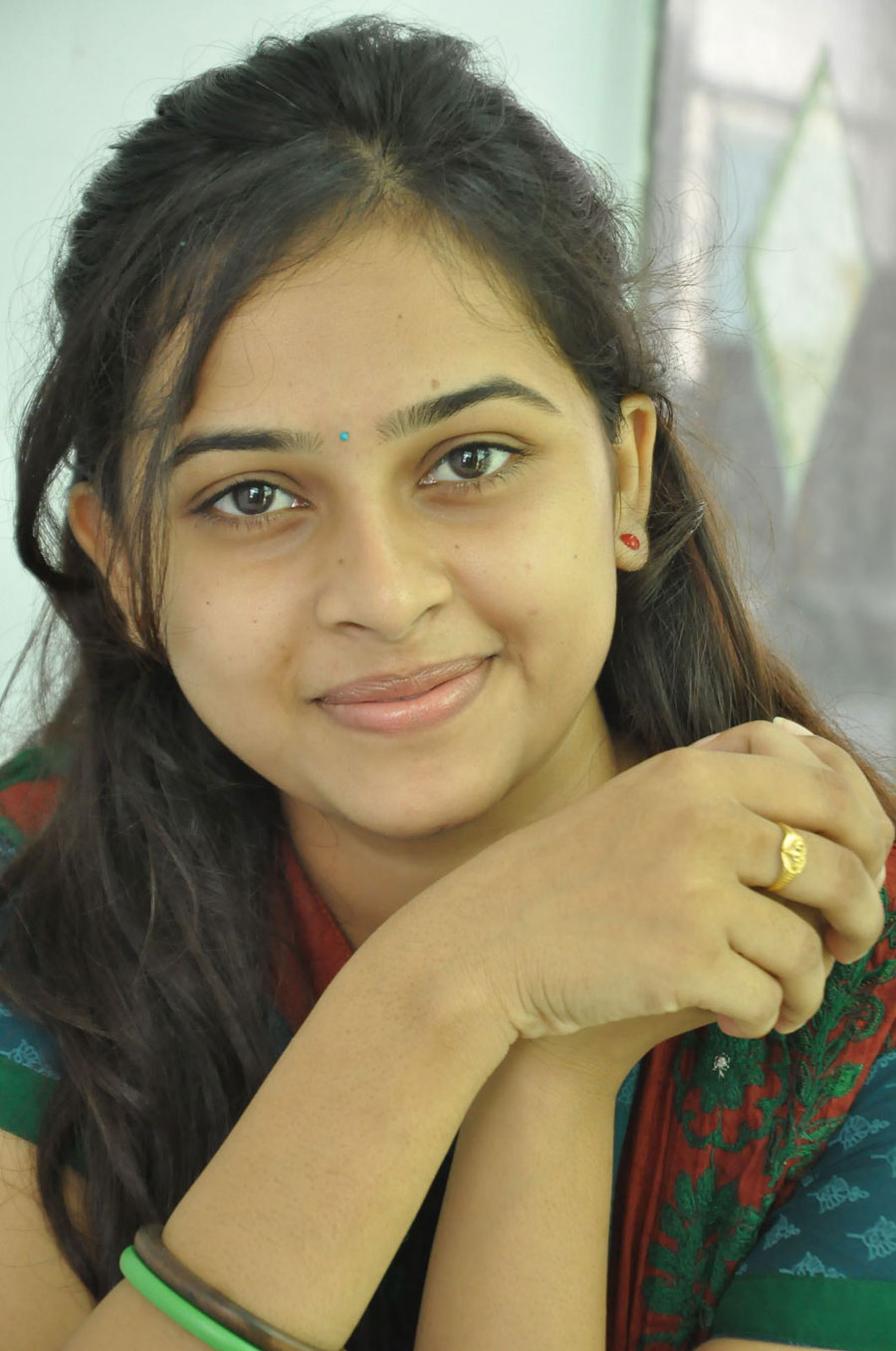 sri-divya-latest-cute-stills-photos-2 - only kollywood