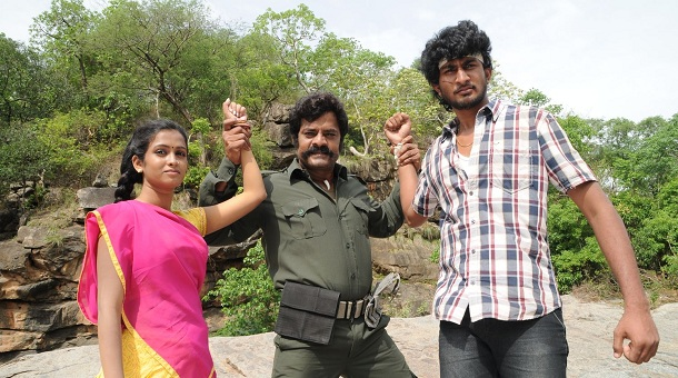 Photo of Vadakkum Therkkum – Movie Stills