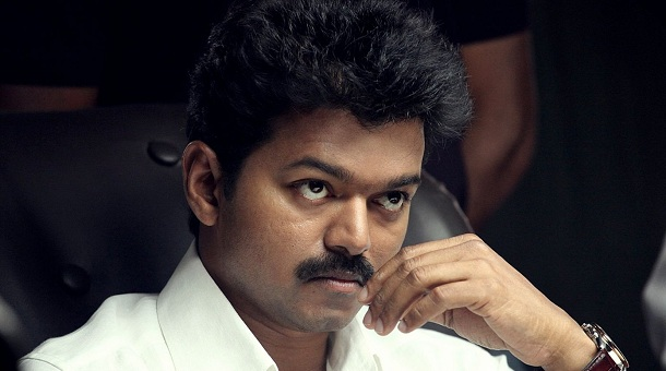 Photo of Vijay breaks down while meeting the family of his deceased fan