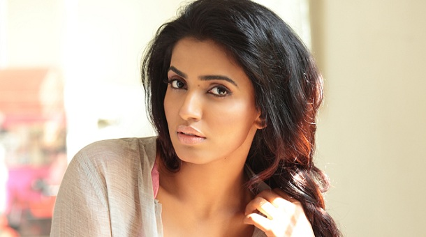 Photo of Thala's item girl for Atharvaa in Irumbu Kuthirai
