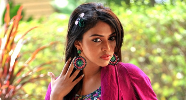 "Photo of ""Many people fall for the hero. I fell for the director,"" says Amala Paul"
