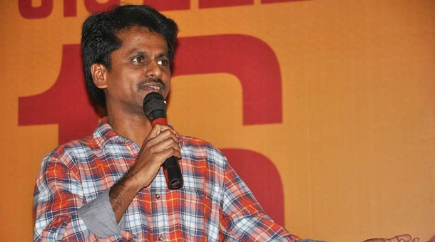 Photo of AR Murugadoss opens up about Kaththi story theft