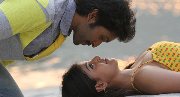 Photo of Sigaram Thodu – Movie Stills