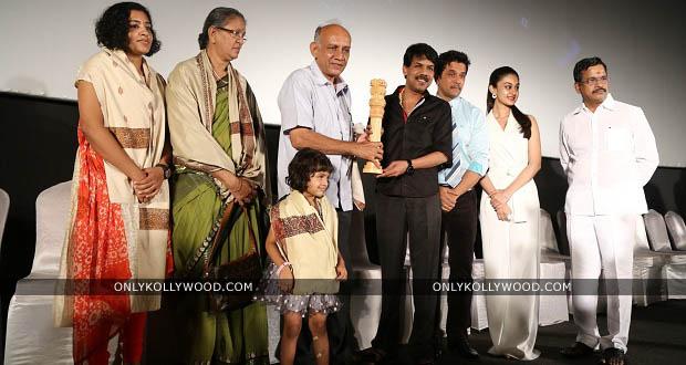 Photo of Arjun honors Major Mukund Varadarajan family at JaiHind 2 audio launch