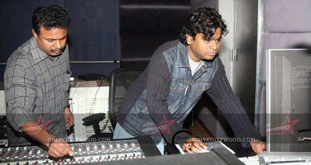 Photo of National award winning technician in Vikram's I and Vijay's Kaththi