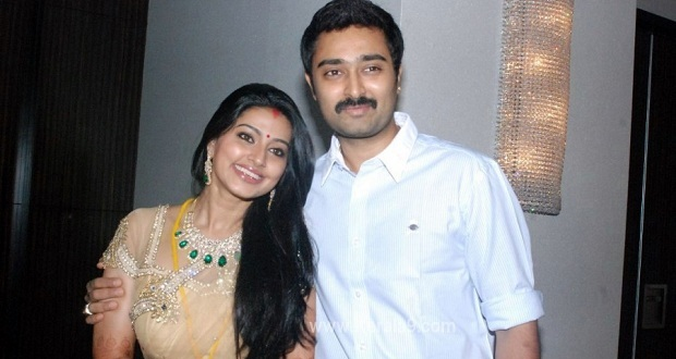 Photo of Sneha expecting first child