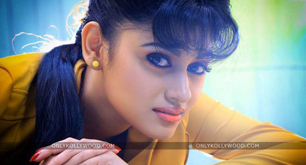 Photo of Is your script appealing? Oviya is ready act for free
