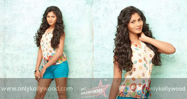 Actress Shruthi reddy stills