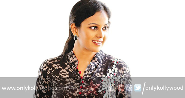 Vil Ambu heroine Chandini on board Raja Ranguski