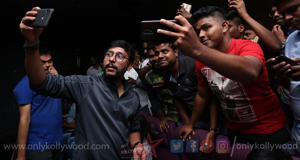Photo of RJ Balaji's LKG registers 3rd biggest opening of 2019 after Viswasam and Petta
