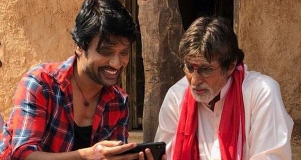Photo of Amitabh Bachchan starts shooting for Uyarndha Manidhan, his Tamil debut