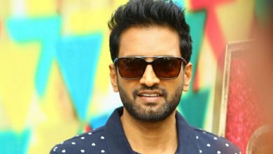 Photo of Santhanam in talks for the Tamil remake of Agent Sai Srinivas Athreya