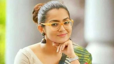 Photo of Parvathy likely to make directorial debut this year